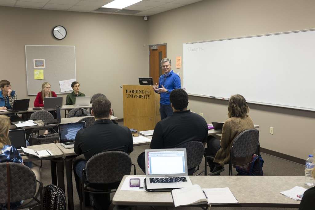 Brett Biggs ('90), executive vice president and CFO for Wal-Mart, speaks to business students in the opening session of the College of Business Administration's first accounting and finance development seminar March 12.